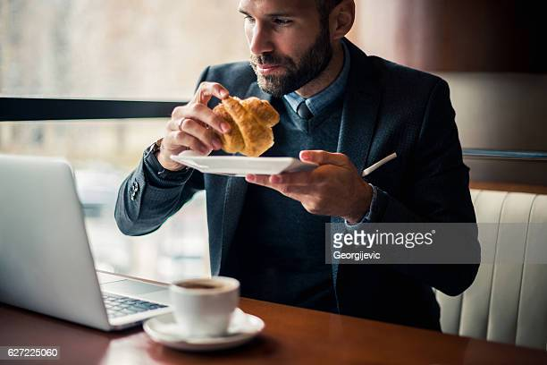 朝食と作業