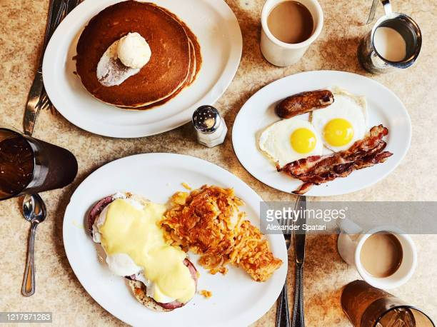 breakfast at traditional american diner, usa - comfort food stock pictures, royalty-free photos & images