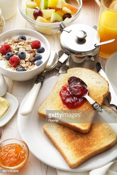 Frühstück: Frühstückstisch