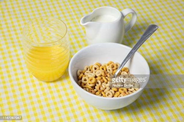 breakfast cereal - andrew dernie photos et images de collection