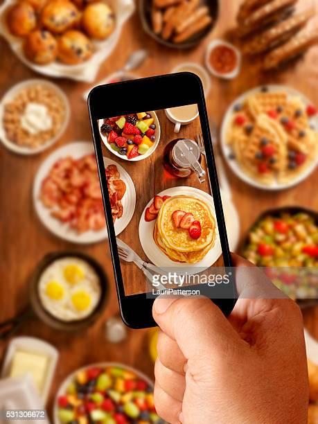 Petit déjeuner au Fête, photos sur mobiles