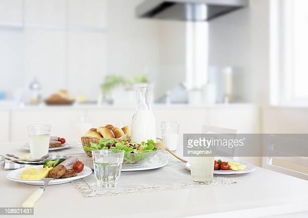 breakfast image - 食卓 ストックフォトと画像