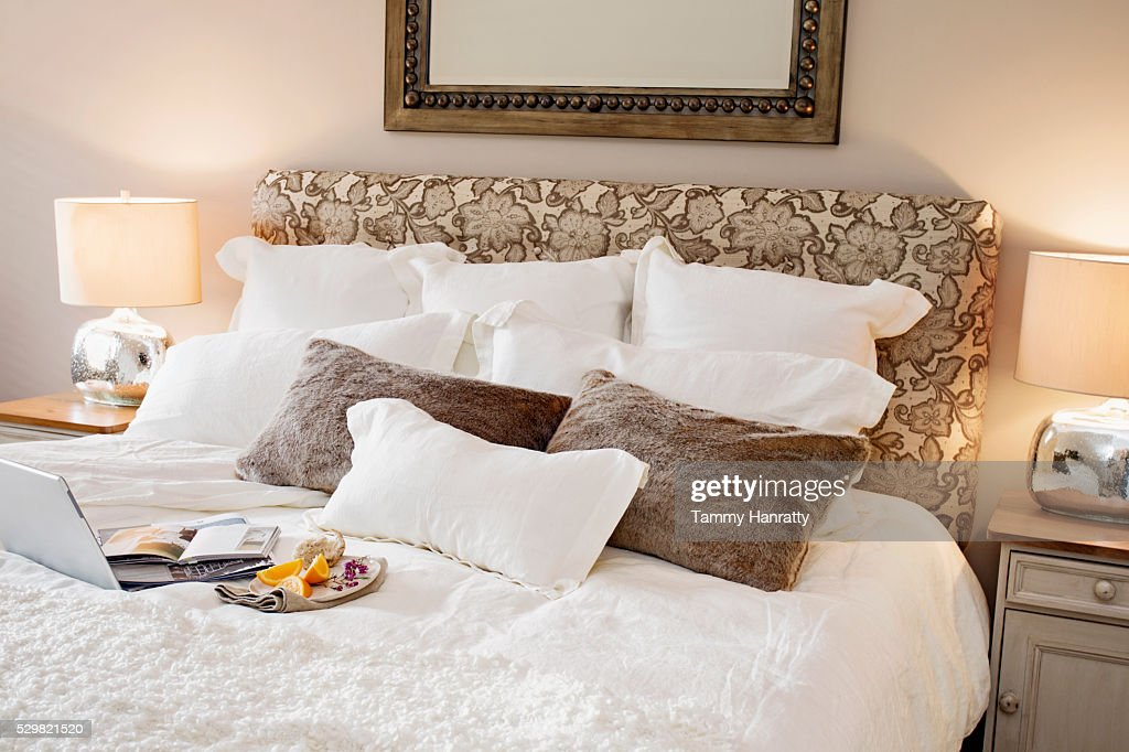 Breakfast in bed : Stock-Foto