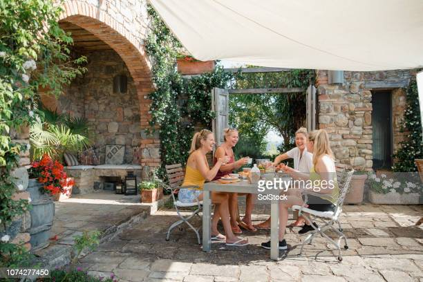 breakfast in the villa - canopy stock pictures, royalty-free photos & images