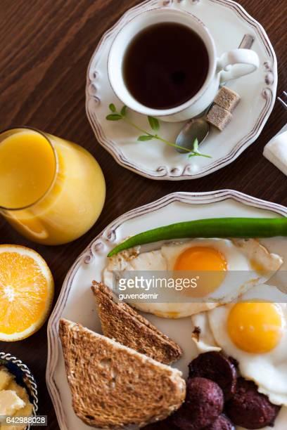 - Frühstück