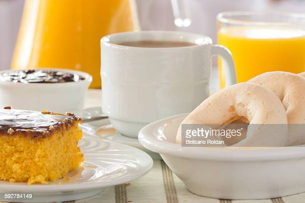 breakfast table close-up - carrot cake stock pictures, royalty-free photos & images