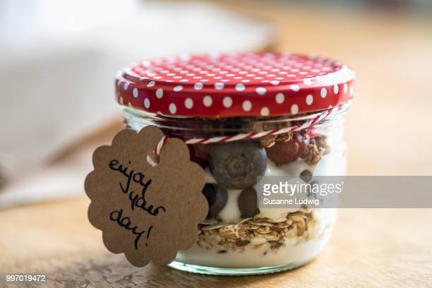 breakfast to go - susanne ludwig stock pictures, royalty-free photos & images