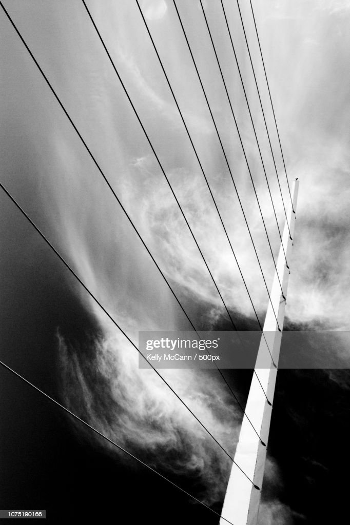 Breaking Cloud : Stock Photo