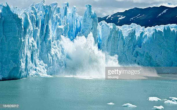 breaking ice formations falling from perito moreno glacier - los glaciares national park stock pictures, royalty-free photos & images