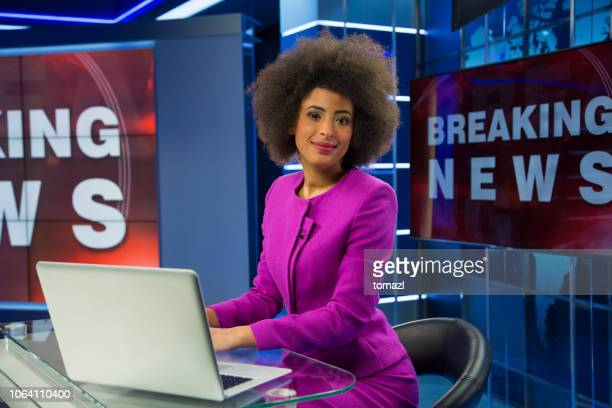breaking news female anchor - newscaster stock pictures, royalty-free photos & images