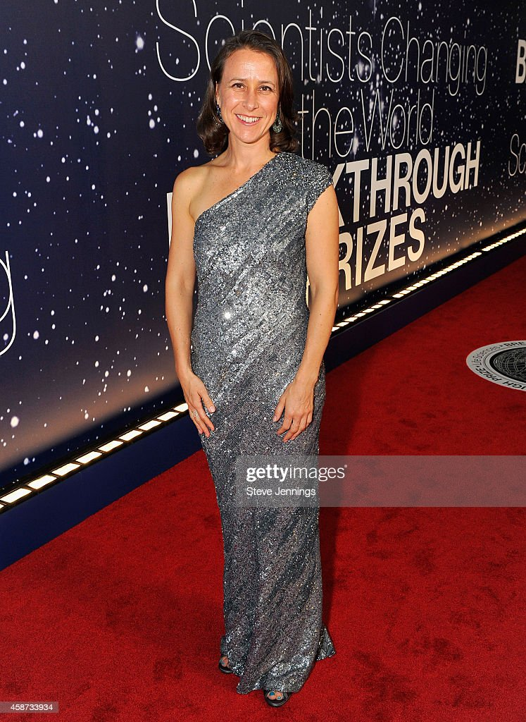 Breakthrough Prize Awards Ceremony Hosted By Seth MacFarlane : News Photo