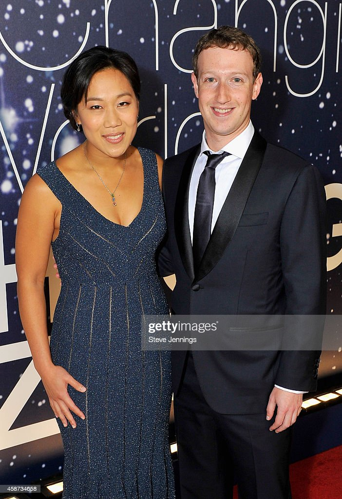 Breakthrough Prize Founders Priscilla Chan and Mark Zuckerberg (R) attend the Breakthrough Prize Awards Ceremony Hosted By Seth MacFarlane at NASA Ames Research Center on November 9, 2014 in Mountain View, California.