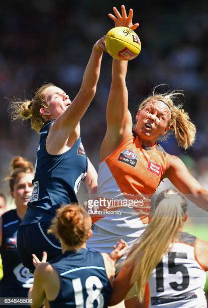 Breann Moody of the Blues and Phoebe McWilliams of the Giants during the round two AFL Women's match between the Carlton Blues and the Greater...