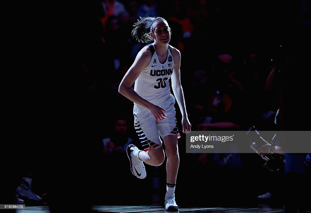 Breanna Stewart #30 of the Connecticut Huskies takes the court before the game against the Syracuse Orange during the championship game of the 2016 NCAA Women's Final Four Basketball Championship at Bankers Life Fieldhouse on April 5, 2016 in Indianapolis, Indiana.
