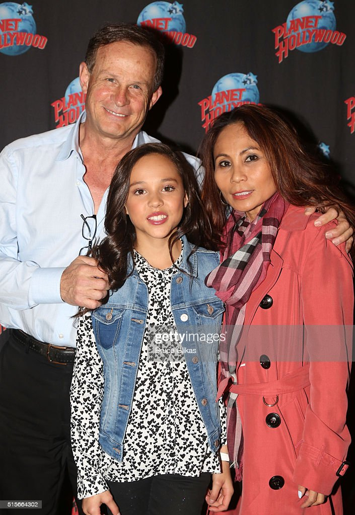 Breanna Yde And Tony Cavalero Visit Planet Hollywood Times Square : News Photo