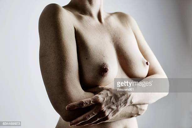 breasts of nude woman - medelålders kvinnor naken bildbanksfoton och bilder