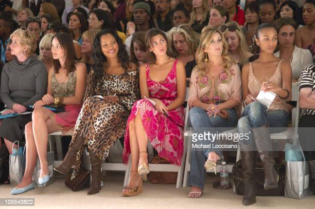 Bree Turner Garcelle Beauvais JamieLynn DiScala Lee Ann Womack and Zoe Saldana front row at Tracy Reese Spring 2006