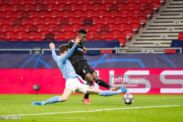 Breel Embolo of Borussia Moenchengladbach with the best chance of his team in the first half time during the UEFA Champions League Round Of 16 Leg...