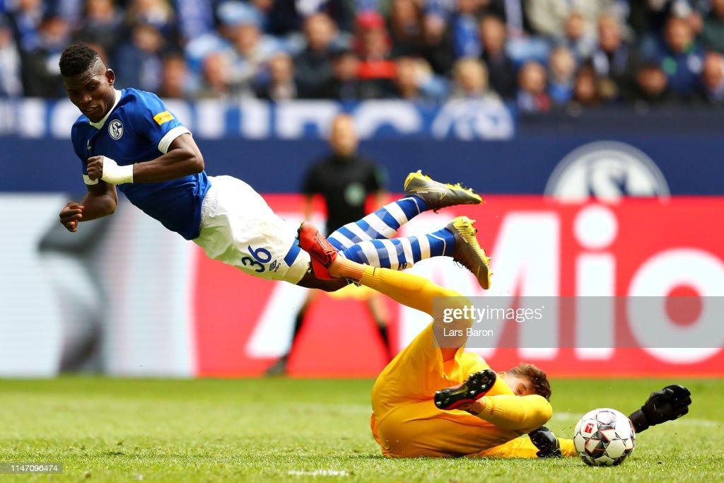 DEU: FC Schalke 04 v FC Augsburg - Bundesliga