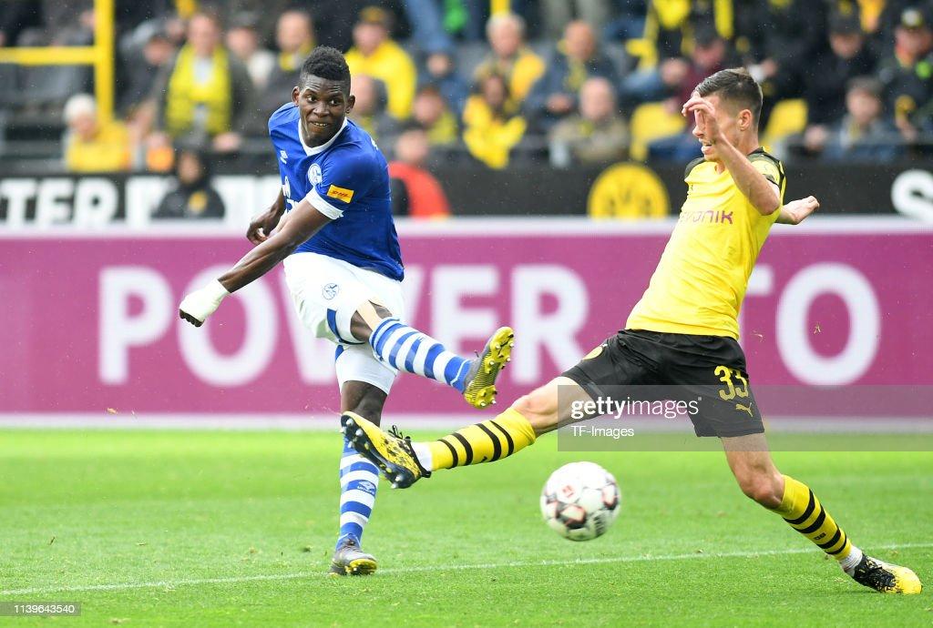 Borussia Dortmund v FC Schalke 04 - Bundesliga : Nachrichtenfoto