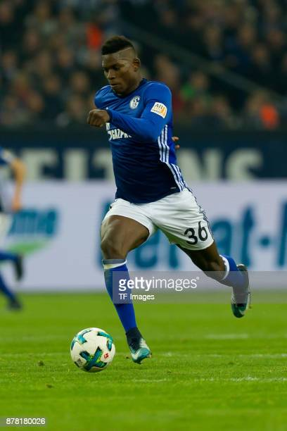 Breel Embolo of Schalke controls the ball during the Bundesliga match between FC Schalke 04 and Hamburger SV at VeltinsArena on November 19 2017 in...