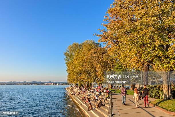 bregenz, promenade - austria - bregenz stockfoto's en -beelden