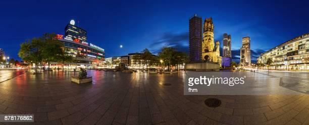 breitscheidplatz panorama at blue hour - berlin skyline  (germany) - memorial kaiser wilhelm - fotografias e filmes do acervo