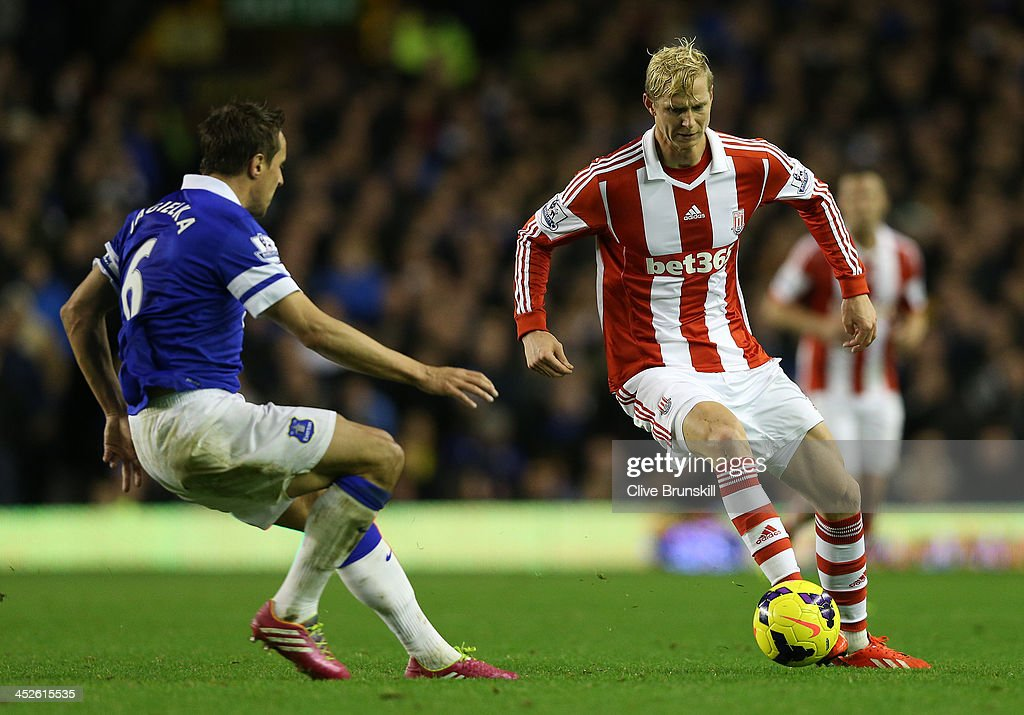 Everton v Stoke City - Premier League : News Photo