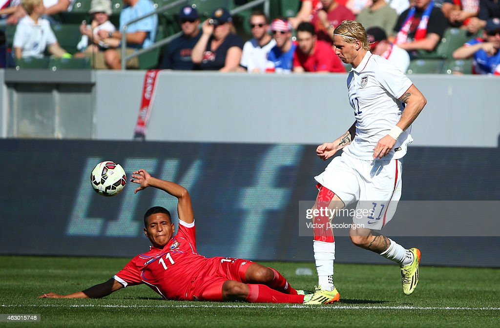 Brek Shea #11 of the USA plays the ball past Hecgar Murillo #11 of Panama in the first half of their international men's friendly match at StubHub Center on February 8, 2015 in Los Angeles, California. The USA defeated Panama 2-0.