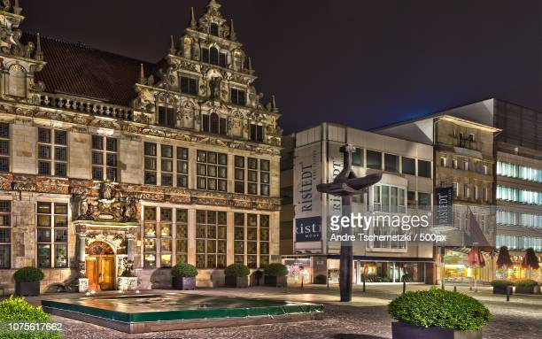 bremen bei nacht - nacht stock pictures, royalty-free photos & images