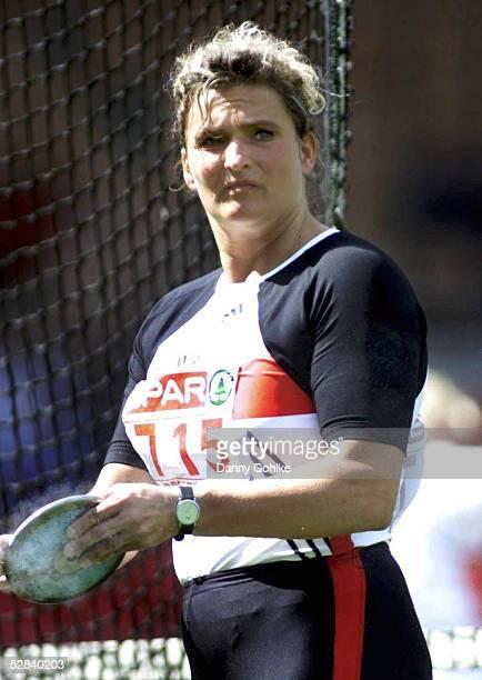 CUP 2001 Bremen DISKUSS FRAUEN Franka DIETZSCH/GER