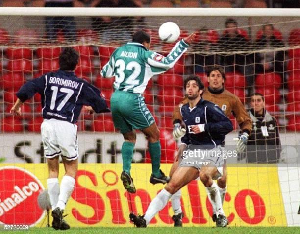 1 BUNDESLIGA 00/01 Bremen SV WERDER BREMEN TSV 1860 MUENCHEN 20 TOR zum 10 von AILTON/BREMEN gegen Daniel BORIMIROV Ned ZELIC und TORWART Simon...