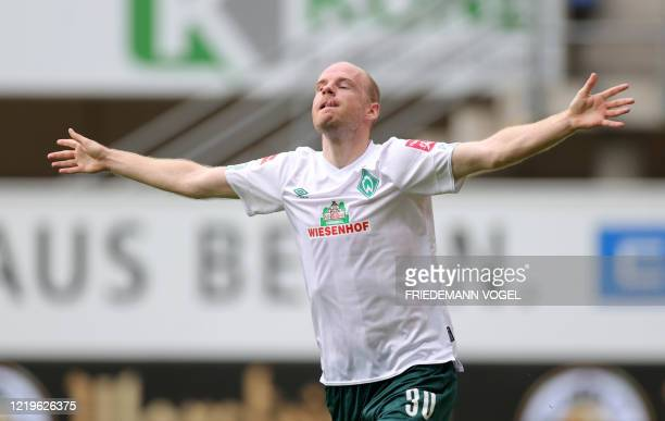 Bremen's Dutch defender Davy Klaassen celebrates after scoring during the German first division Bundesliga football match SC Paderborn v Werder...