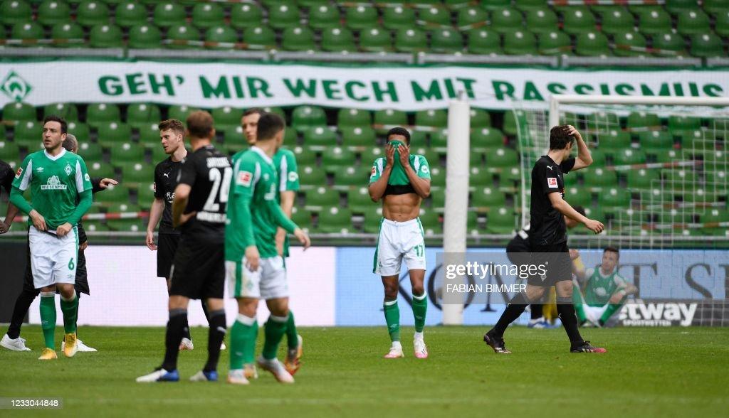 FBL-GER-BUNDESLIGA-BREMEN-MOENCHENGLADBACH : News Photo