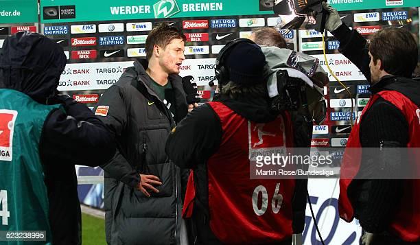 Bremen's Sebastian Proedl gibt ein Interview nach dem Bundesligaspiels zwischen SV Werder Bremen Bayer Leverkusen im Weser Stadion am 27Februar 2011...