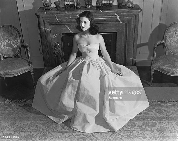Brenda Frazier Kelly ChatfieldTaylor whose name was once synonymous with glitterin debutante balls and the social whirl died of cancer May 3 1982 at...