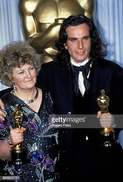 Brenda Fricker and Daniel DayLewis attend the 62nd Academy Awards circa 1990 in Los Angeles California