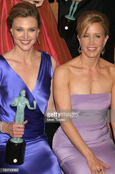 Brenda Strong and Felicity Huffman of Desperate Housewives winner of Outstanding Performance by an Ensemble in a Comedy Series