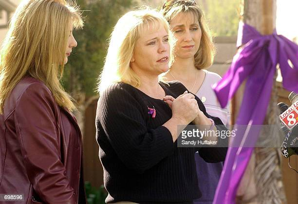 Brenda van Dam mother of missing 7yearold Danielle van Dam speaks to the news media February 15 2002 flanked by Diane Halfman and Paula Call during a...