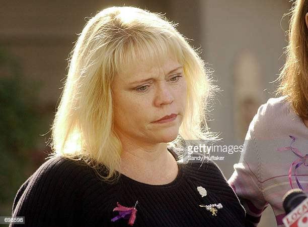 Brenda van Dam mother of missing 7yearold Danielle van Dam speaks to the news media February 15 2002 during a press conference outside the van Dam...