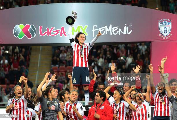 Brenda Viramontes of Chivas raises the champions trophy after the Final match between Chivas and Pachuca as part of the Torneo Apertura 2017 Liga MX...