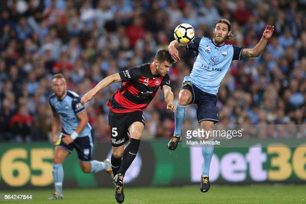 Brendan Hamill of the Wanderers scores a goal during the round three ALeague match between Sydney FC and the Western Sydney Wanderers at Allianz...
