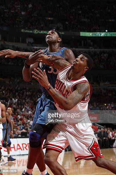 Brendan Haywood of the Washington Wizards and Tyrus Thomas of the Chicago Bulls battle for position on January 15, 2010 at the United Center in...