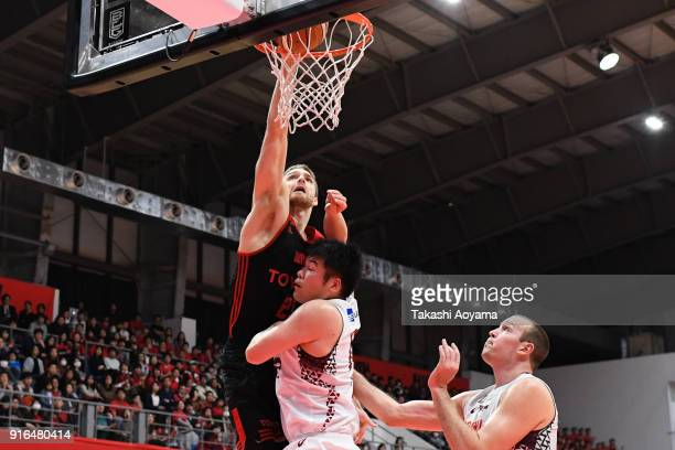 Brendan Lane of the Alvark Tokyo dunks during the BLeague match between Alverk Tokyo and Kawasaki Brave Thunders at the Arena Tachikawa Tachihi on...