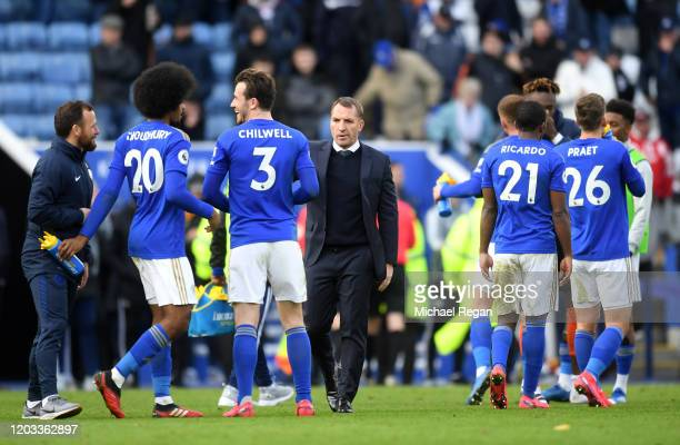 Brendan Rodgers, Manager of Leicester City speaks to his players after the Premier League match between Leicester City and Chelsea FC at The King...