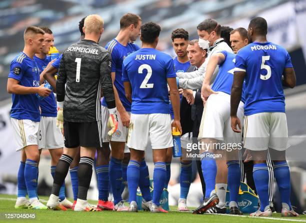 Brendan Rodgers, Manager of Leicester City speaks to his team during a drinks break during the Premier League match between Tottenham Hotspur and...