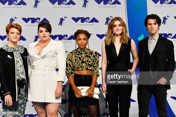 Brendan Scannell Melanie Field Jasmine Matthews Grace Cox and James Scully attend the 2017 MTV Video Music Awards at The Forum on August 27 2017 in...