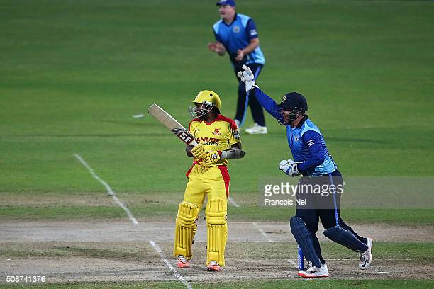 Brendan Taylor of Leo Lions successfully appeals for the wicket of Mahela Jayawardene of Sagittarius Strikers during the Oxigen Masters Champions...