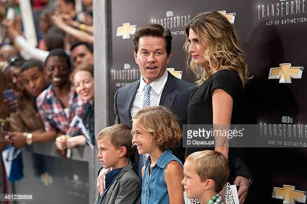 Brendan Wahlberg Mark Wahlberg Ella Rae Wahlberg Rhea Durham and Michael Wahlberg attend the Transformers Age Of Extinction premiere at Ziegfeld...