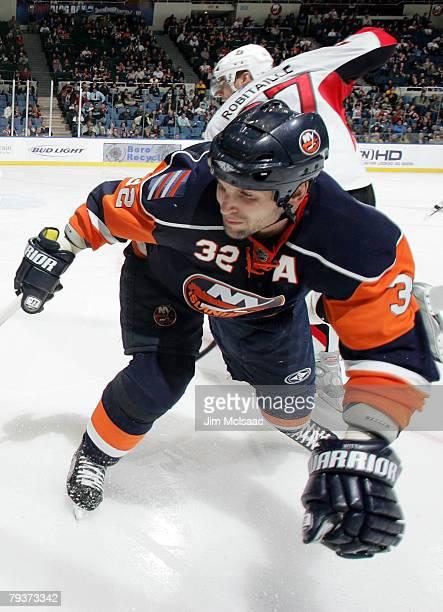 Brendan Witt of the New York Islanders skates against the Ottawa Senators on January 29, 2008 at Nassau Coliseum in Uniondale, New York.